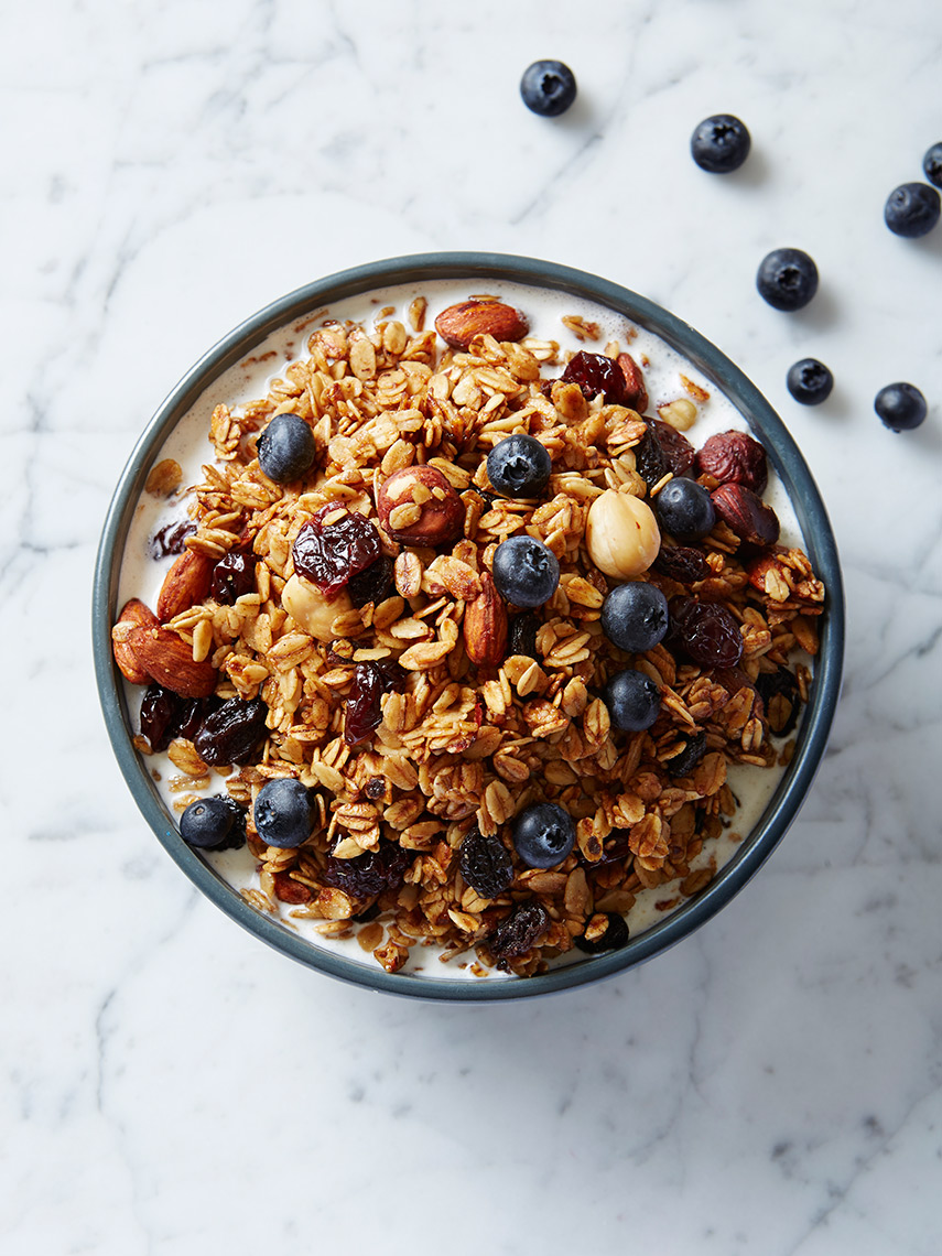 Granola_w_Blueberries_02_final_for_web